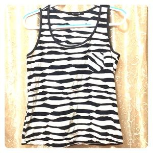 Forever 21 tank made in USA white and black wavy